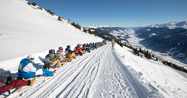 Longest line of sleds in Austria