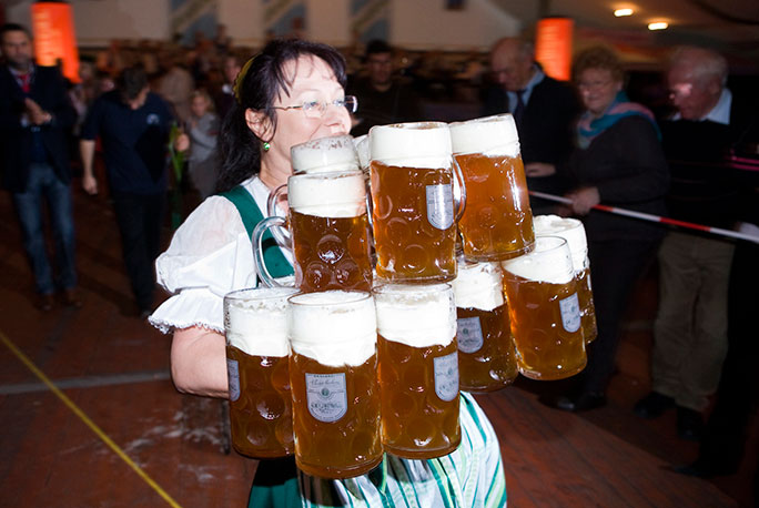 Most beer steins carried over 40 metres female